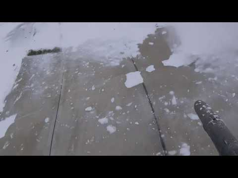 Snow removal with Leaf Blower HUSQVARNA 570