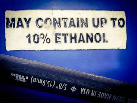 fuel pump gas contains ethanol