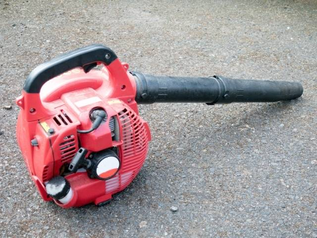 What to Do When a Leaf Blower is Leaking Gas