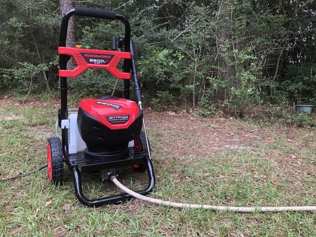 Powerworks 2200 Pressure Washer hands-on review and stress-testing.