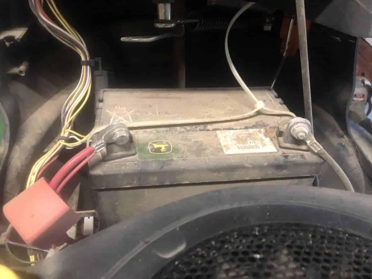 Reasons a lawnmower battery keeps draining.